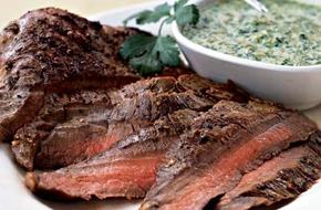 Marha steak korianderes-mandulás pestoval