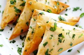 Indiai ízek – zöldséges samosa